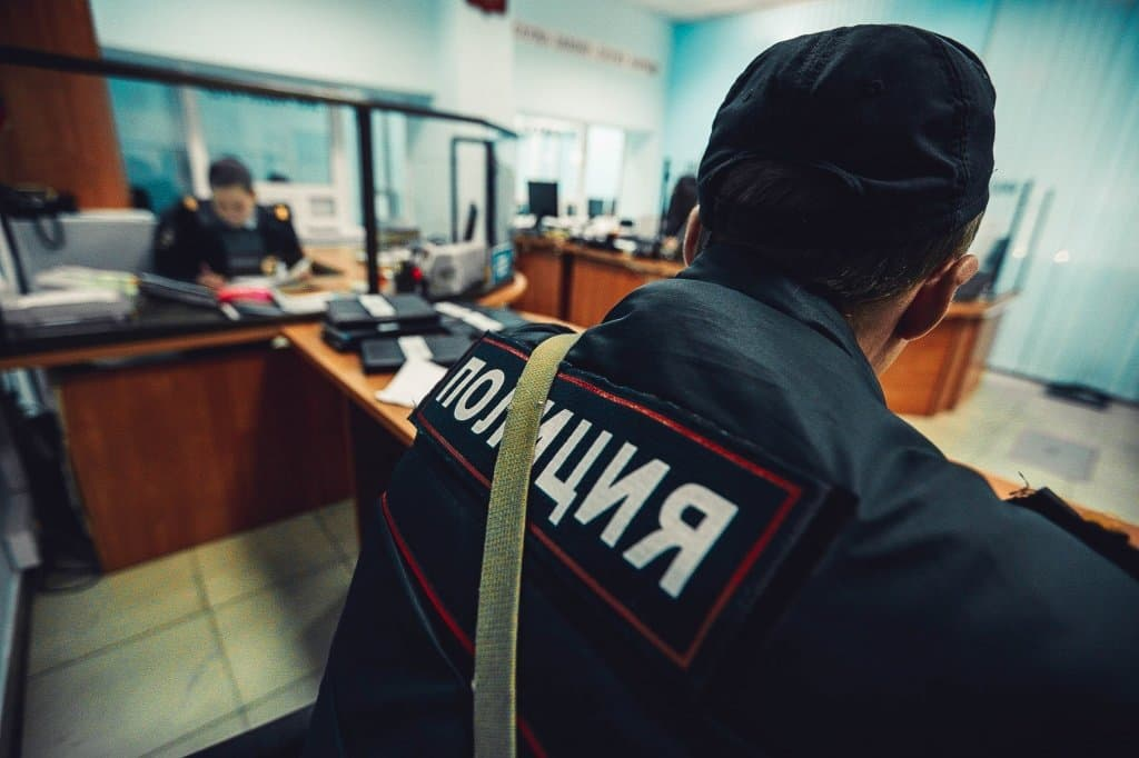 ВБашкирии полицейский, пытавший подростка электрошокером, получил 4 года условно
