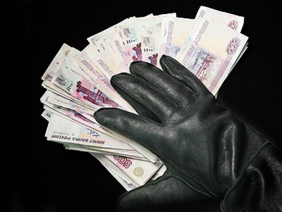 ВБашкирии разыскивают 2-х девушек, укравших упенсионера 150 000 руб.