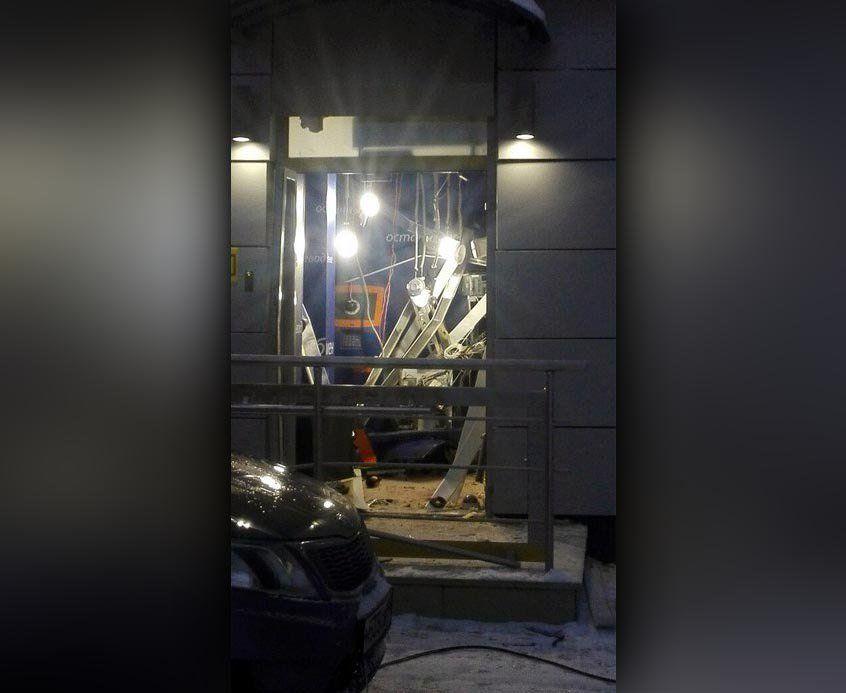 ВУфе ночью напроспекте Октября был взорван банкомат