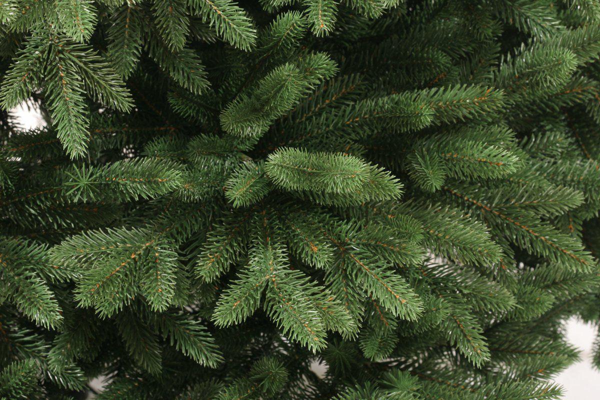 ВНижнем Новгороде самые дорогие искусственные елки