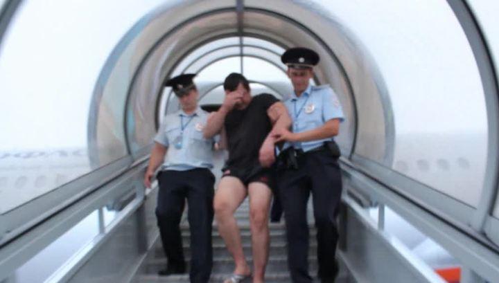 Авиадебошира изУфы, распивающего виски наборту самолета, приговорили кисправительным работам