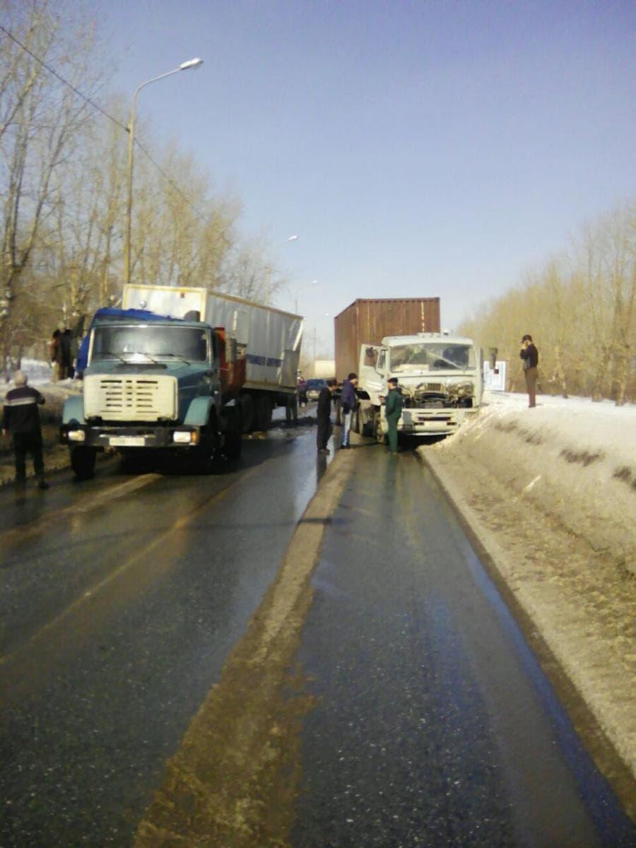 В Башкирии в ДТП попали сразу 4 автомобиля, есть пострадавший