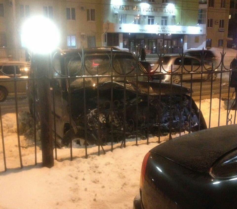 ВУфе около полка ГИБДД произошла массовая авария