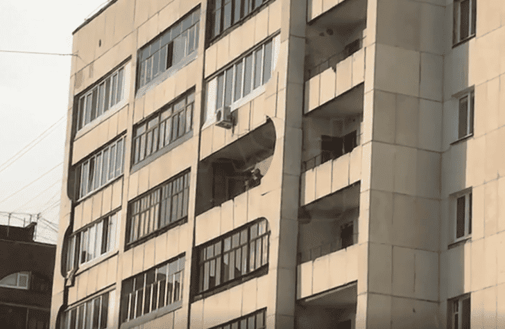 засняли секс с балкона - 14