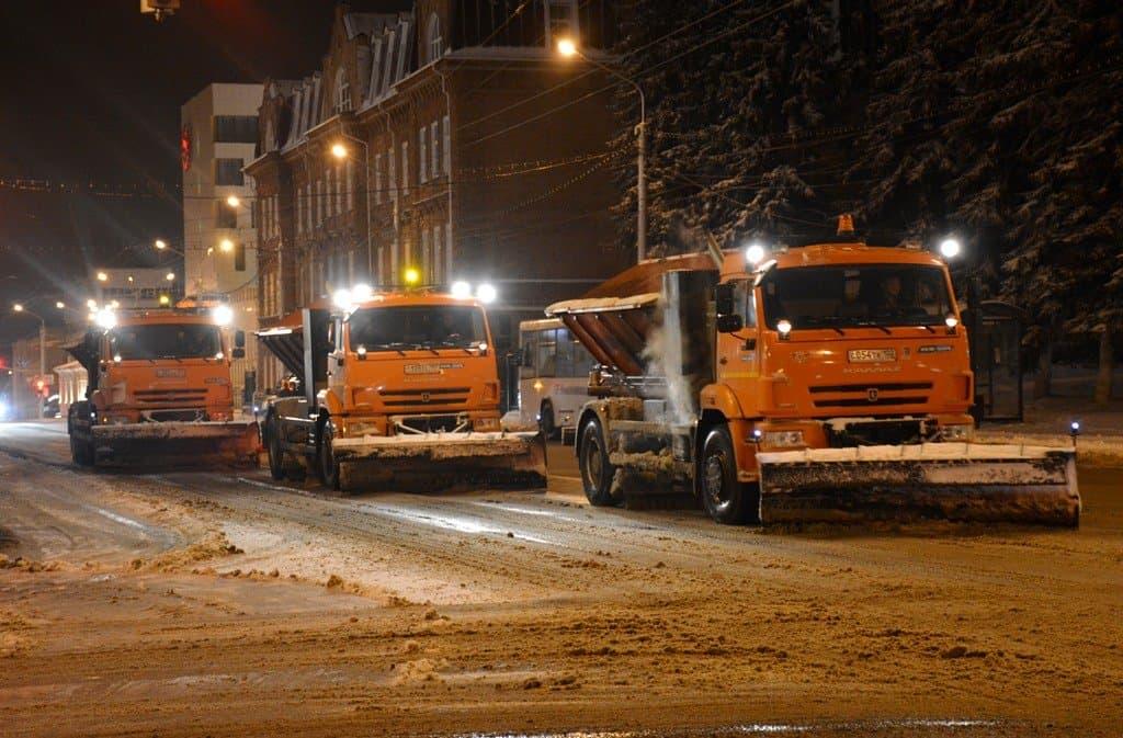 Заночь сулиц Уфы вывезли неменее 3000 кубометров снега