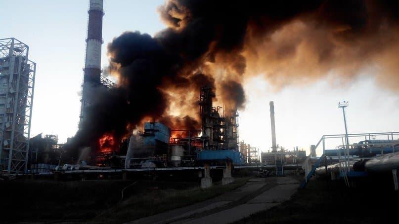 Нефтеперерабатывающий завод взорвался и зажегся вУфе, есть жертвы ираненые