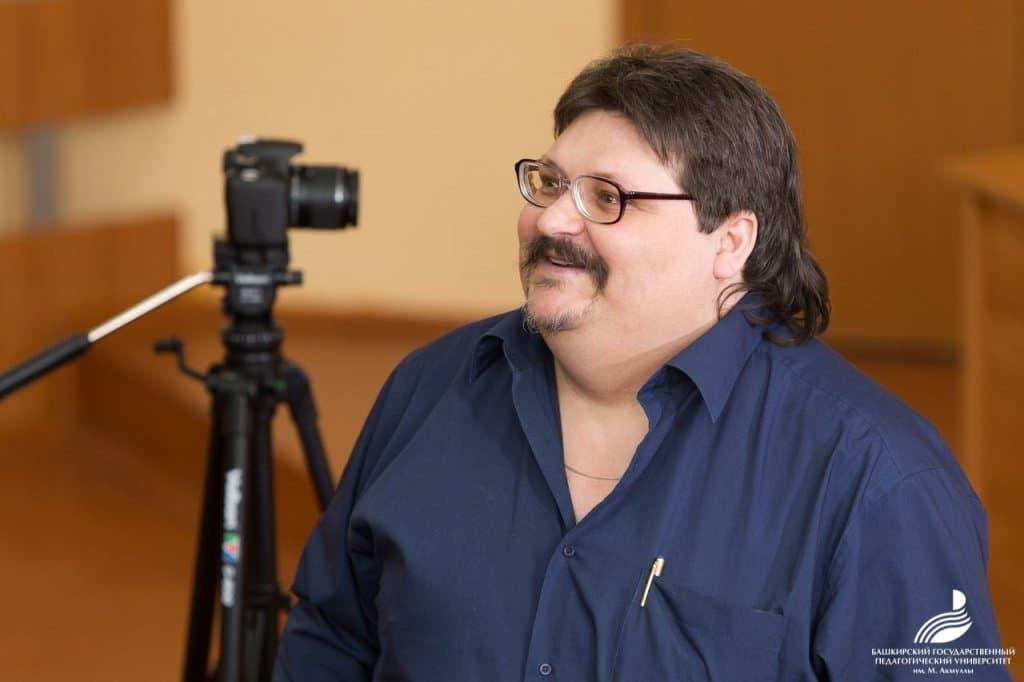 В Уфе на 48-м году жизни умер поэт и педагог Дмитрий Борисович Масленников