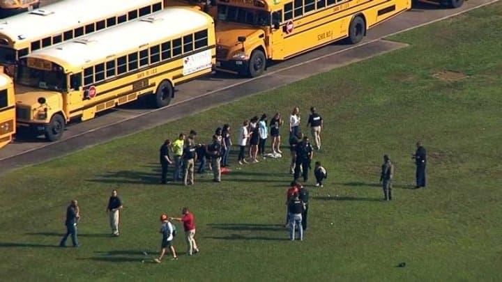 Восемь школьников погибли при стрельбе вТехасе