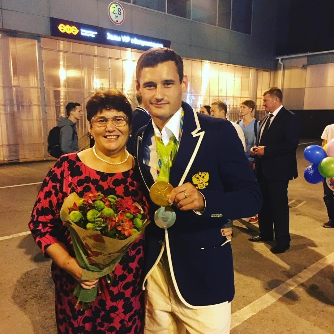 Олимпийские чемпионы Сафин иАхматхузин вернулись вУфу изРио