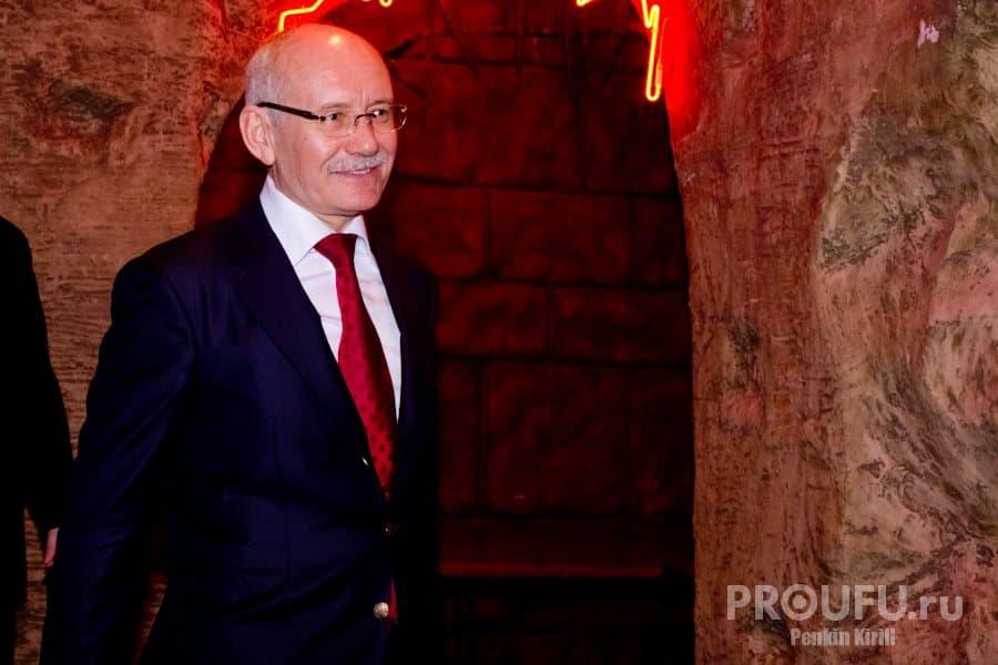 Рустэм Хамитов вошел в ТОП-10 влиятельных глав регионов