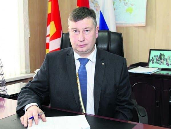 Руководитель Катав-Ивановска покинул пост поличным причинам