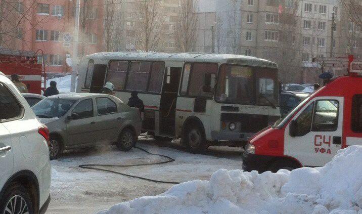 ВУфе впроцессе движения зажегся автобус спассажирами