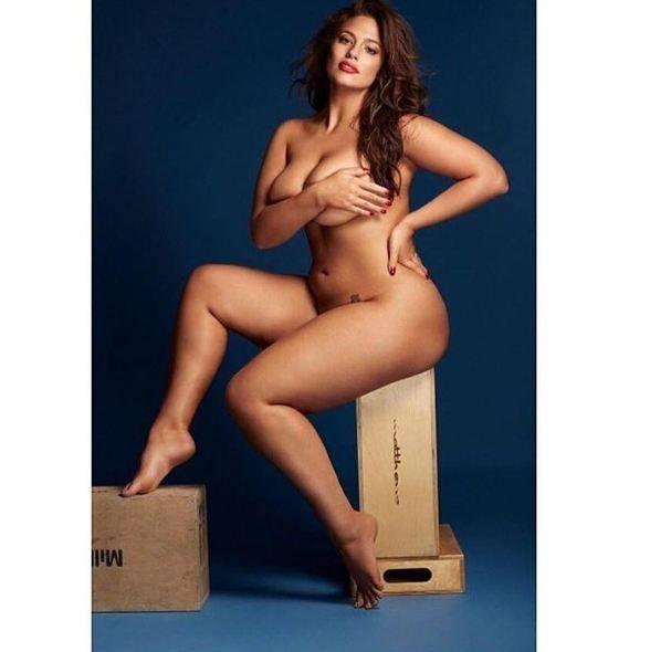 Модель plus-size Эшли Грэм снялась обнаженной для журнала Grazia