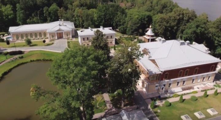 4 тысячи гектаров для дачи Медведева арендованы за39 руб. вгод