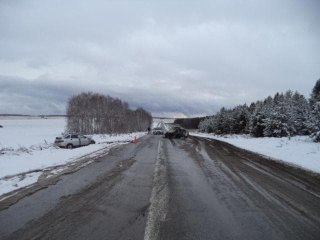 Две автоледи столкнулись лоб в лоб в Башкирии