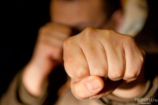 Гражданин Башкирии ударил знакомого битой поголове