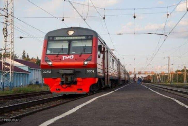 Мужчина в состоянии алкогольного опьянения попал под поезд hjcnjd