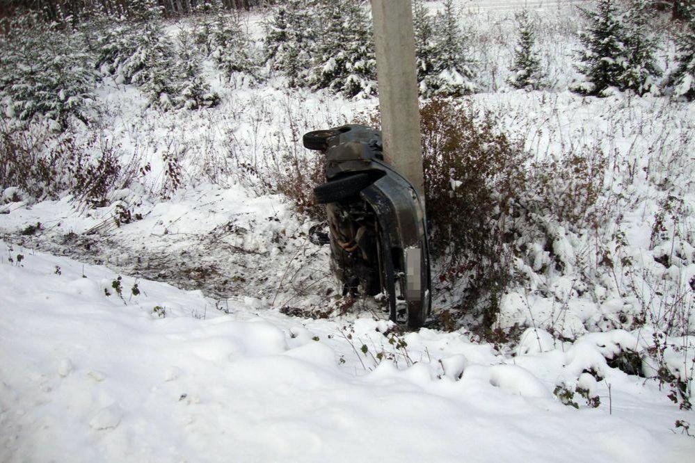 ВБашкирии 23-летнему шоферу удалось выжить вопрокинувшемся автомобиле