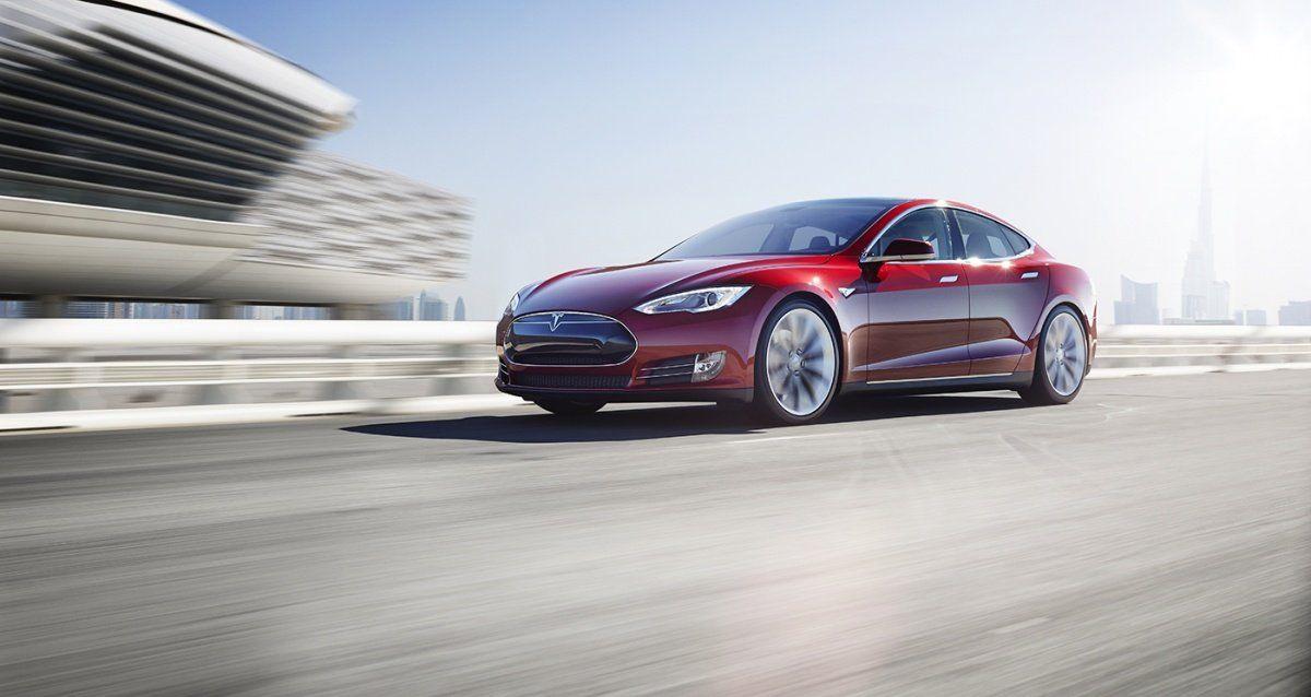 СМИ узнали опрекращении расследования смертельной трагедии Tesla вСША