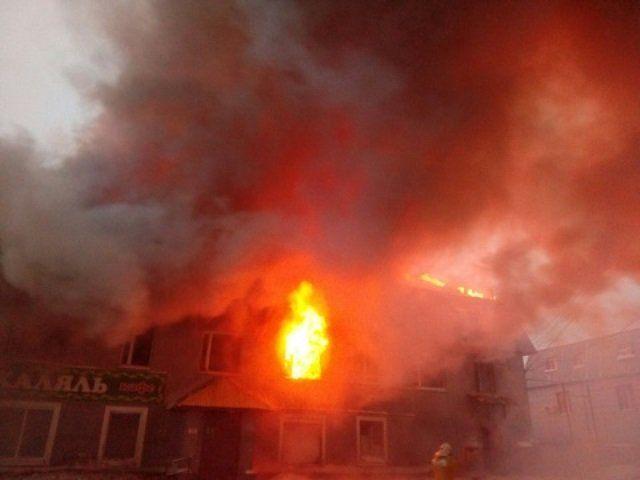 Пожар вУфе: полыхает кафе вНижегородке