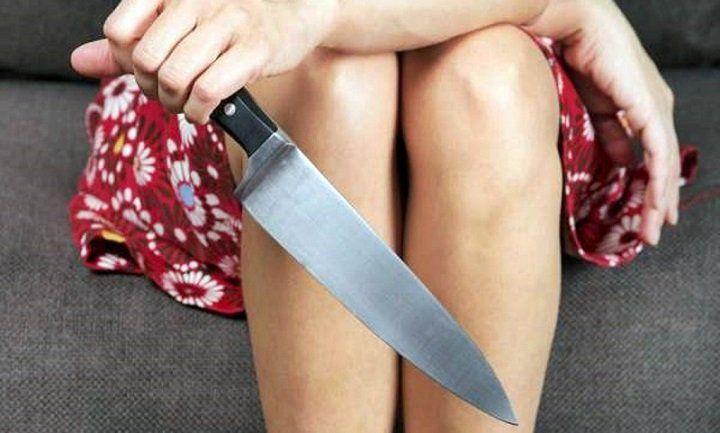 Жительница Башкирии пырнула дочь ножом вгрудь