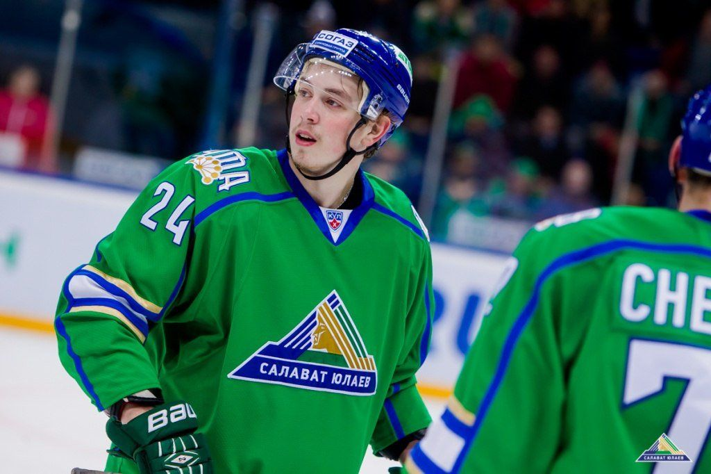 Русский нападающий «Салавата Юлаева» подписал договор склубом НХЛ