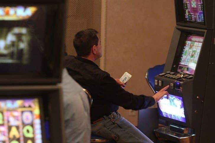 Игровые автоматы lucky haunter пробки крышки