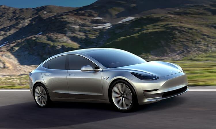 Стала известна дата начала выпуска электромобилей Tesla Model 3
