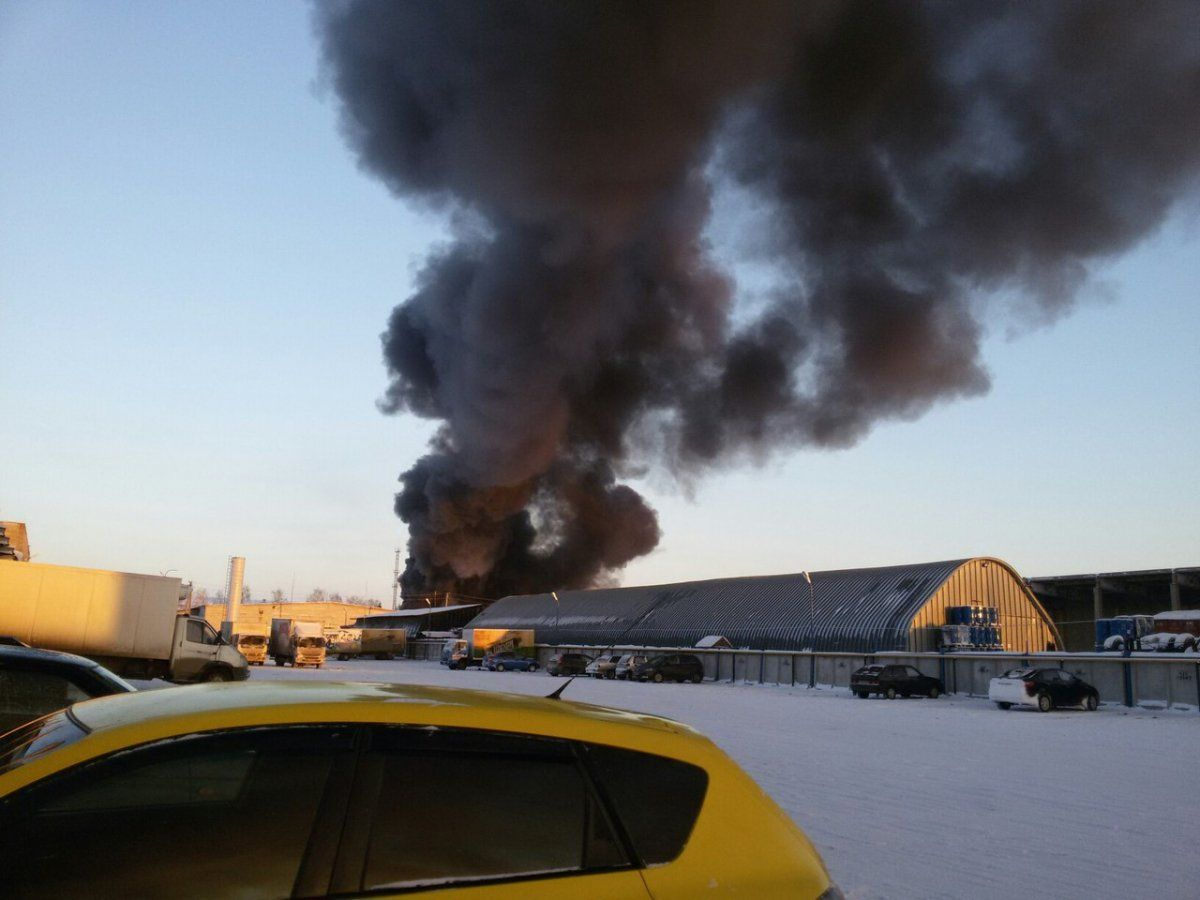 В Мокроусово в частной автозаправке взорвались цистерны с дизельным топливом
