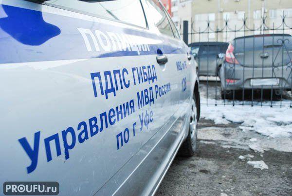 ВБашкирии автомобиль врезался встроительный вагончик, один человек умер