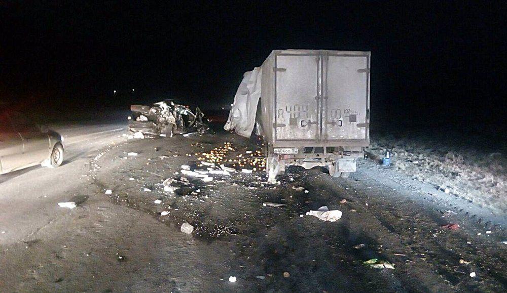Устроивший массовое ДТП спострадавшими гражданин Башкирии убежал, бросив авто