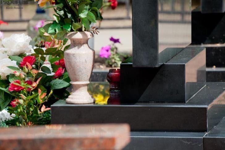 Гроб, кладбище, сотни миллиардов рублей: кто и как делит похоронный рынок
