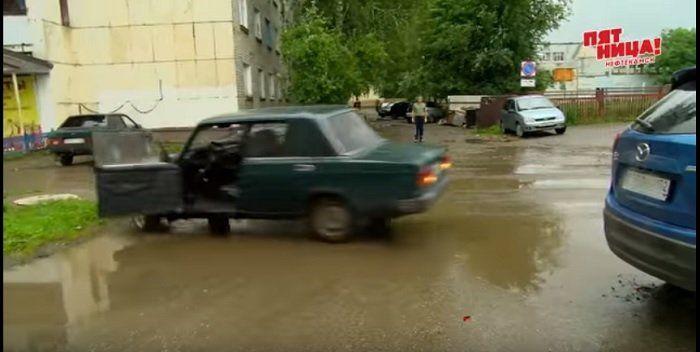 Видео - В Башкирии «семёрка» на автопилоте и без водителя гонялась за иномарками