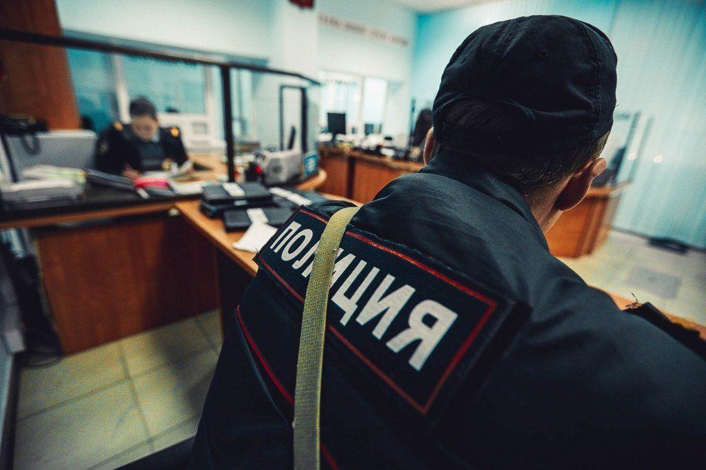 ВУфе мужчина похитил изобувного магазина два различных женских сапога