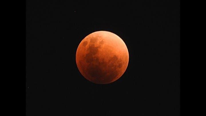 Великое противоборство Марса илунное затмение: жители России увидят сразу два астрономических явления