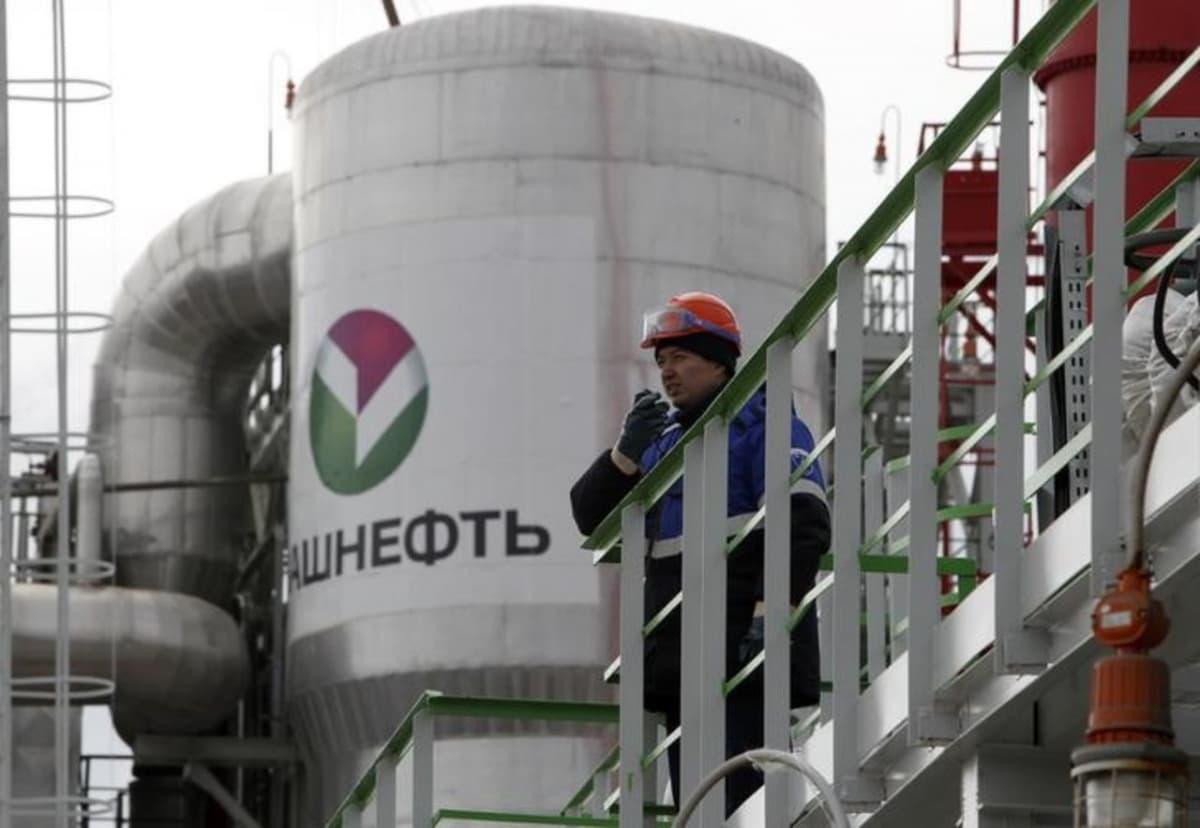 Чиновники не могут понять запретил ли Путин Роснефти покупать Башнефть