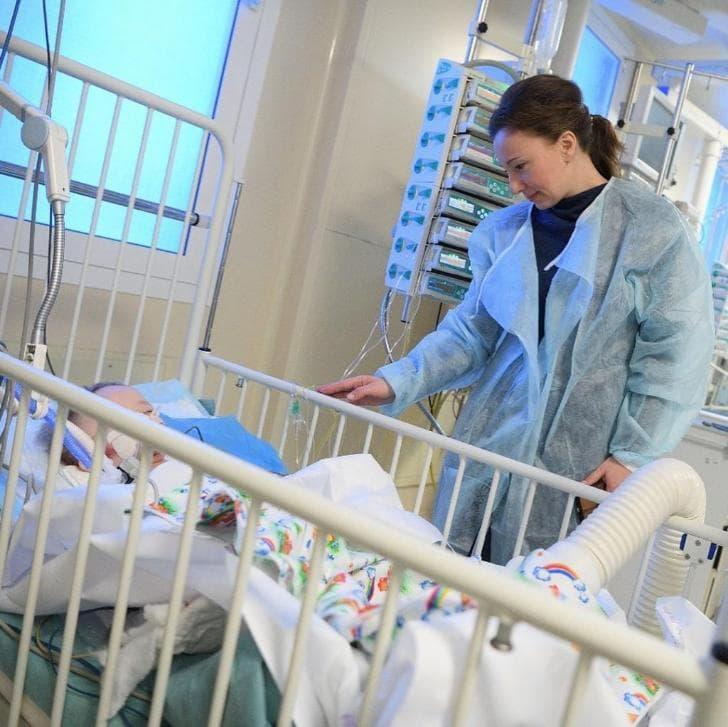 Спасенный вМагнитогорске ребенок стал дышать самостоятельно