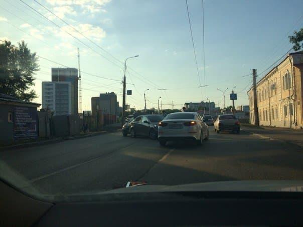 В Уфе произошло ДТП с участием трех автомобилей
