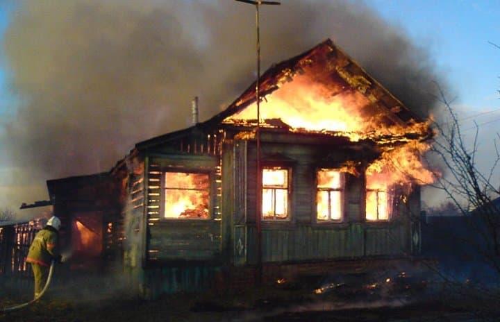 ВБашкирии впожаре в личном доме умер человек