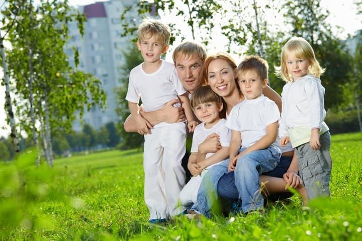 Руководитель Башкирии подписал указ, стимулирующий рождаемость вмалообеспеченных многодетных семьях