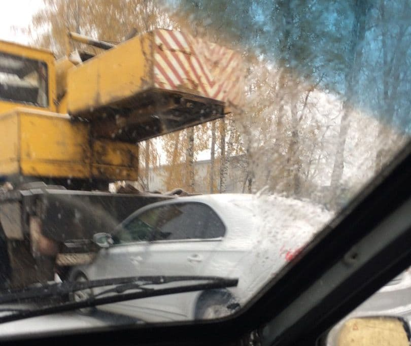 ВУфе автомобиль влетел вавтокран