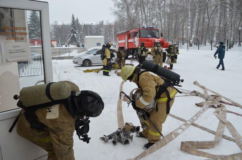 ВУфе из-за пожара вжилом доме эвакуировали 27 человек