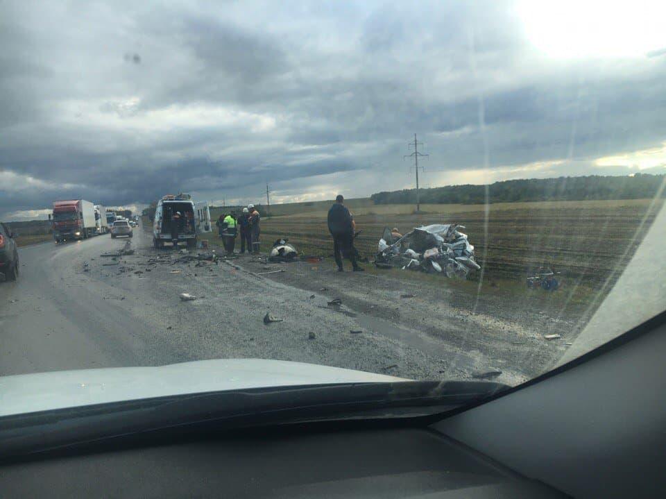 ВБашкирии натрассе автомобиль врезался вфуру