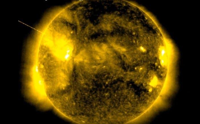 NASA опубликовало видео свидетельство: Солнце служит заправкой инопланетян