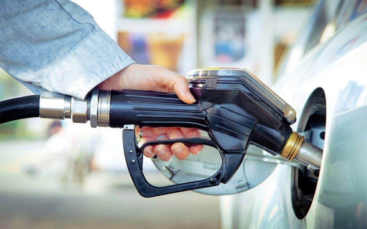 «Лукойл» снова поднял цены на бензин