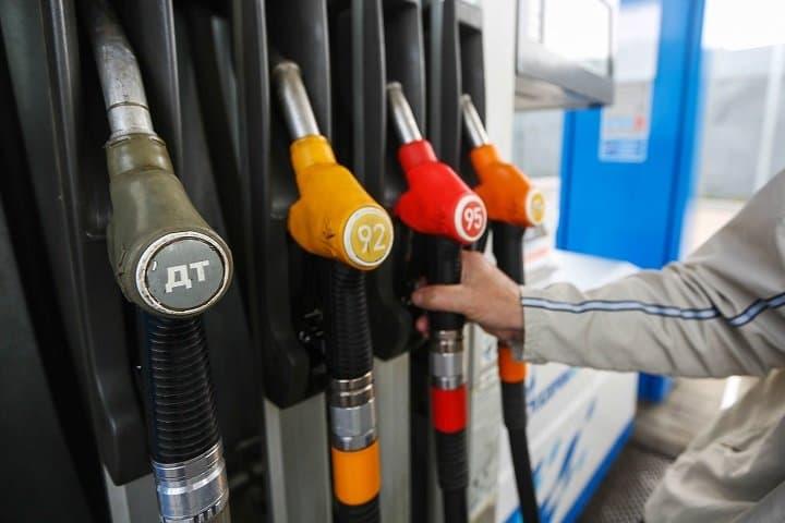 ФАС заподозрил нефтяные компании в искусственном повышении цен на бензин