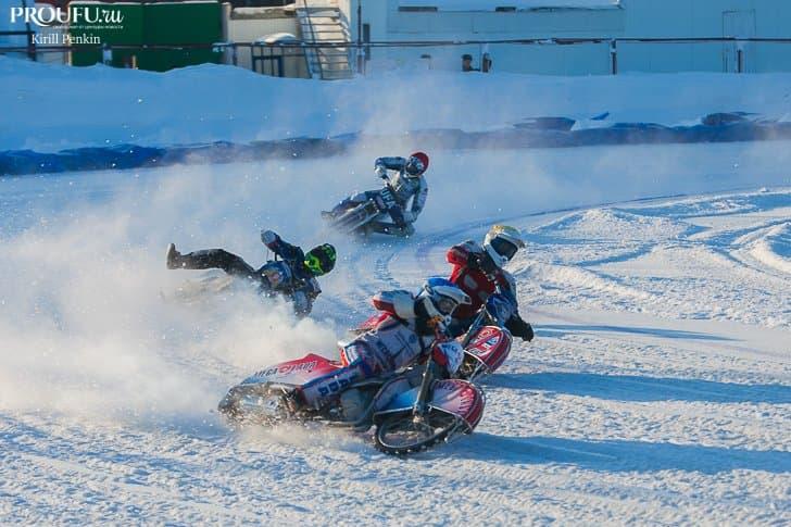 Опасный лёд. В Уфе прошел пятый этап командного чемпионата России по мотогонкам на льду
