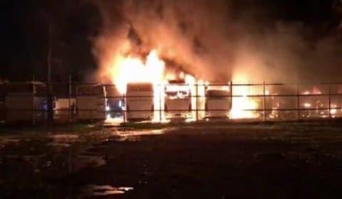 В новейшей столице загорелись 12 автобусов