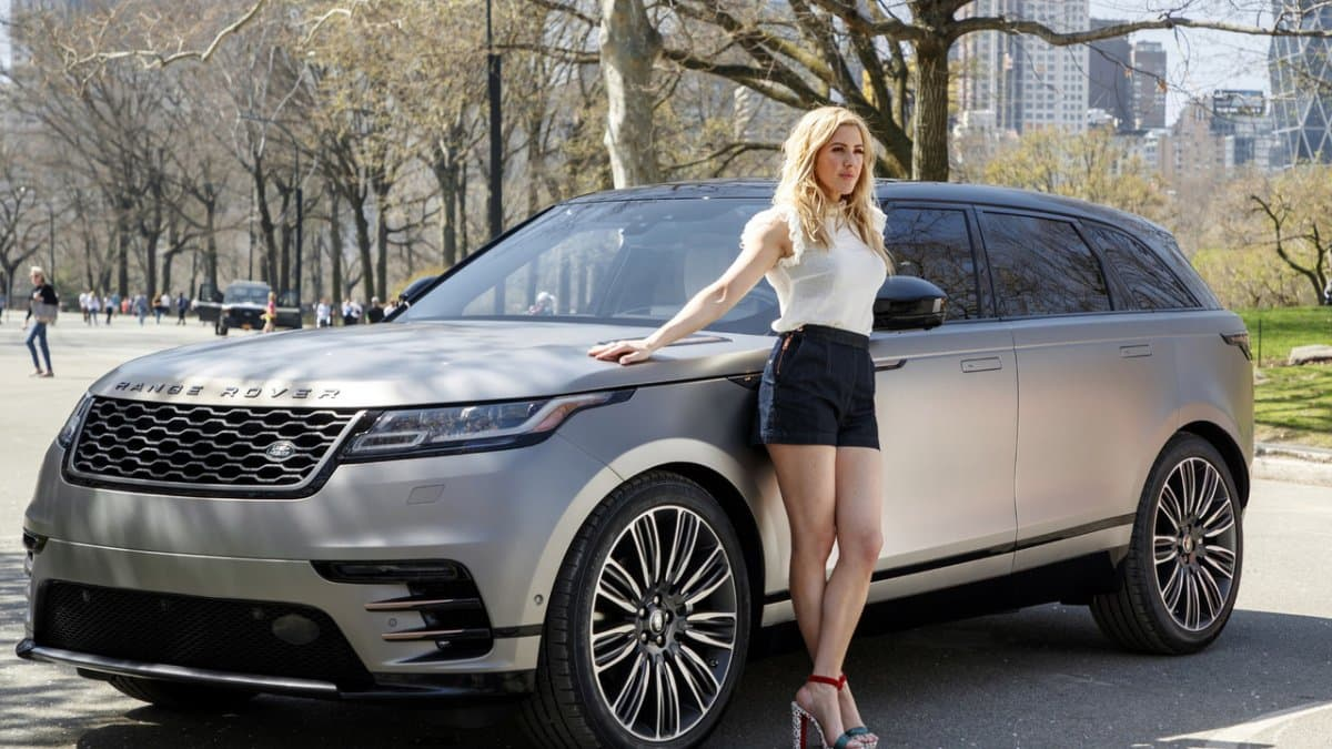 Эстрадная певица Элли Голдинг рекламирует Range Rover Velar для США