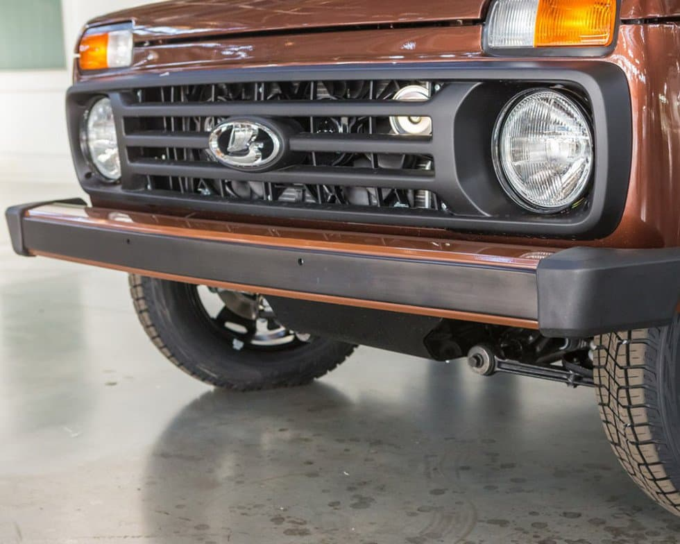 АвтоВАЗ озвучил цену на юбилейную LADA 4x4 40th Anniversary